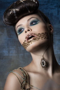Sapphire Nymph – Beauty Editorial for Make-Up Trendy Magazine